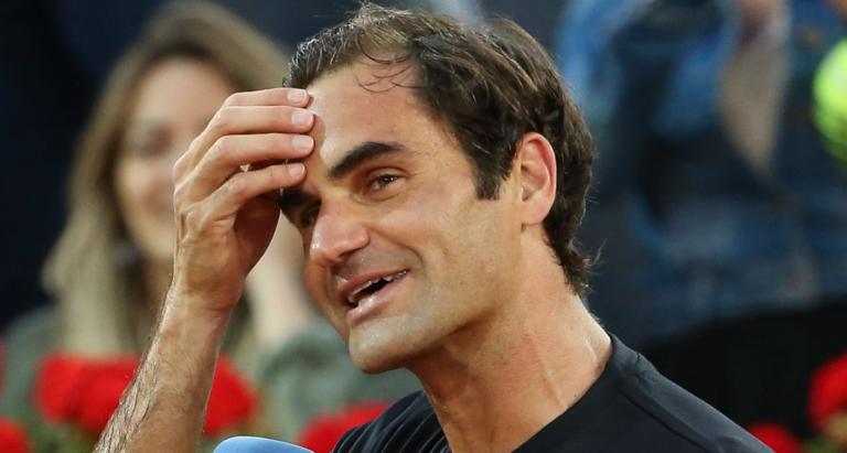Federer explica serviço-volley no 2.º serviço com match point abaixo: «Liguei o modo pânico»