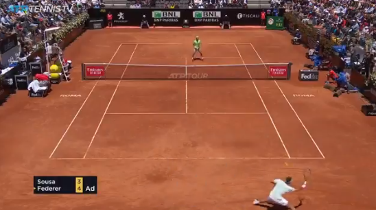 [VÍDEO] O brilhante passing shot de Federer contra João Sousa