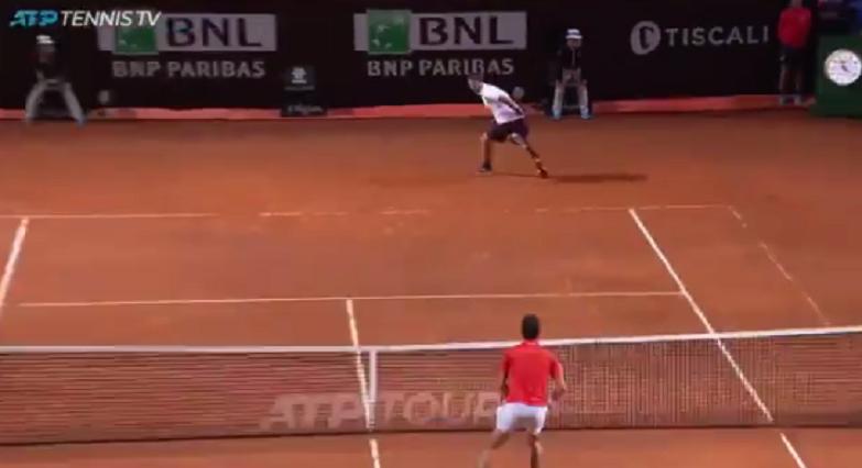 [VÍDEO] Del Potro e Djokovic jogam ponto incrível em Roma