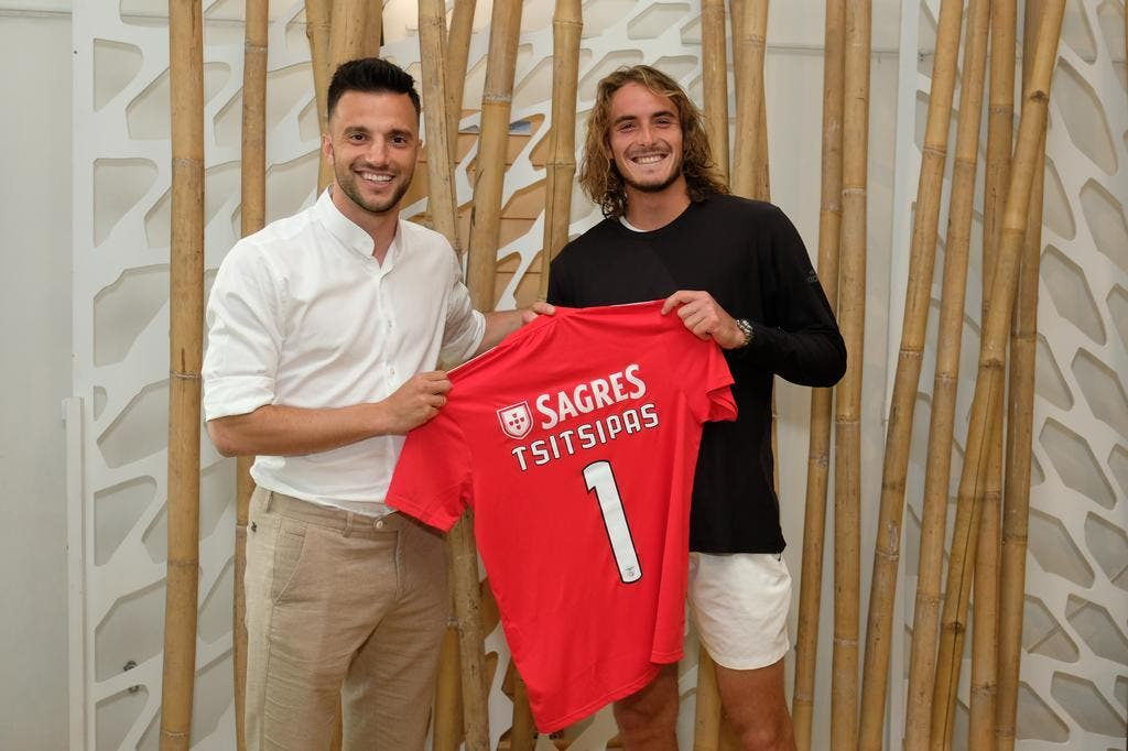 Samaris adora ténis: «Cresci com Federer, mas agora é Tsitsipas sempre»