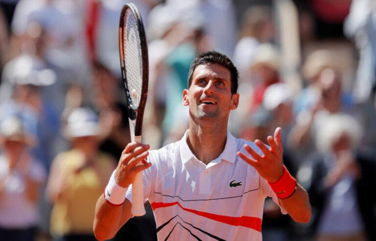Djokovic domina e garante lugar nos 'quartos' de Roland Garros