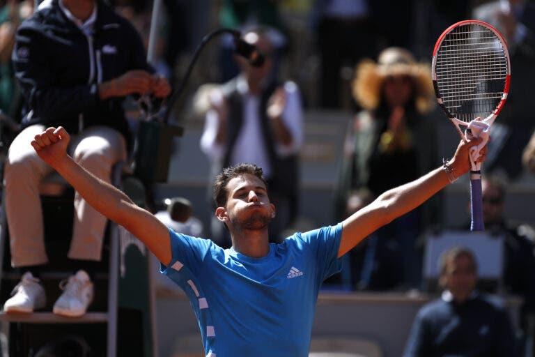 [VÍDEO] O momento em que Thiem venceu Djokovic e regressou à final de Roland Garros
