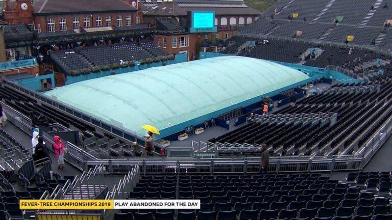 Chuva cancelou toda a jornada no Queen's Club em Londres