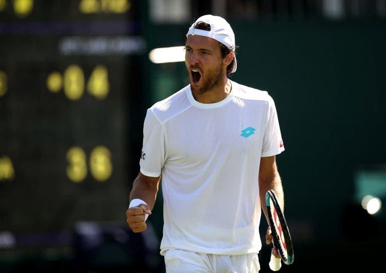 Wimbledon: siga João Sousa vs. Dan Evans no nosso live center