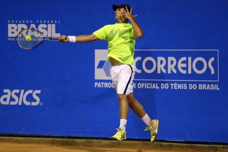 Bruno Sant'Anna joga a bom nível e está nos «oitavos» no ITF em Trier
