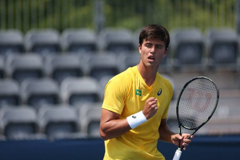 João Menezes eleito melhor tenista brasileiro do ano