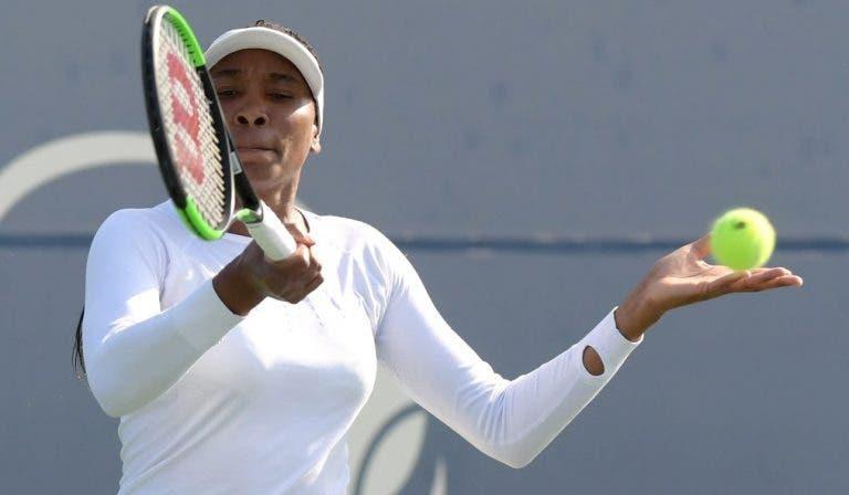 Venus não aproveita wild card e é eliminada facilmente na estreia em Toronto