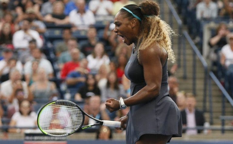 Serena desforra-se de Osaka e avança sem problemas para as meias-finais em Toronto