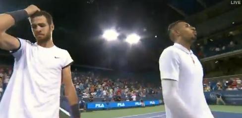 [VÍDEO] Kyrgios insulta e cospe na direção do árbitro após encontro