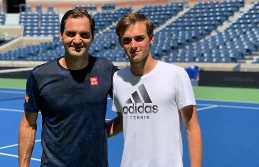 Depois da desilusão em Cincinnati, Federer já treina intensamente no US Open