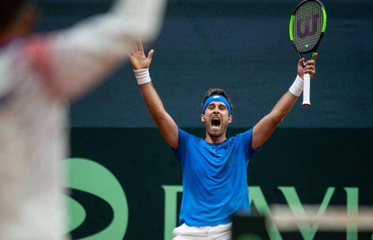 [VÍDEO] Eis os melhores pontos do dia decisivo da Taça Davis: Thiem em destaque… pela negativa