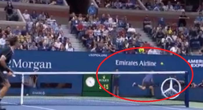 [VÍDEO] Dimitrov protagoniza um dos pontos da semana diante de Federer