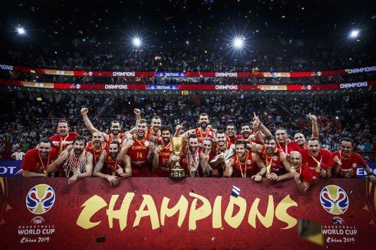 Estrelas do ténis espanhol celebram título mundial… de basquetebol