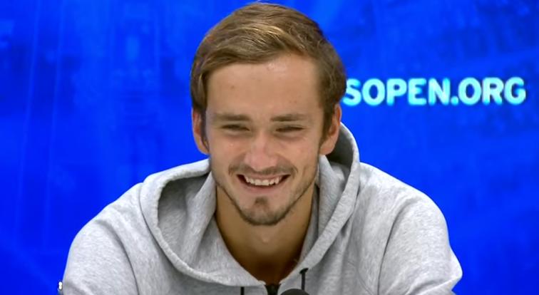 Medvedev conta episódio bizarro sobre um jogador e um chuveiro em Cincinnati