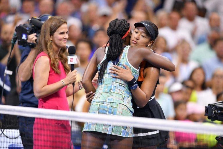 Tsitsipas elogia a classe de Naomi Osaka: «O desporto mostra o caráter»