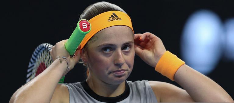 Ostapenko dispara 25 duplas faltas e derrota Pliskova na mesma em Pequim
