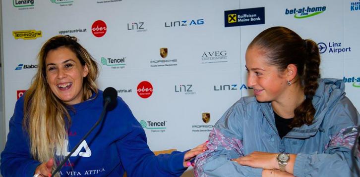 Ostapenko sastisfeita com a presença de Bartoli: «Estou mais próxima do nível de Roland Garros, em 2017»