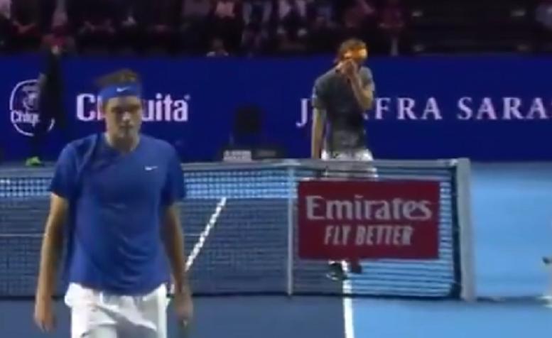 [VÍDEO] Zverev teve gesto de desportivismo apreciado pelo público em Basileia
