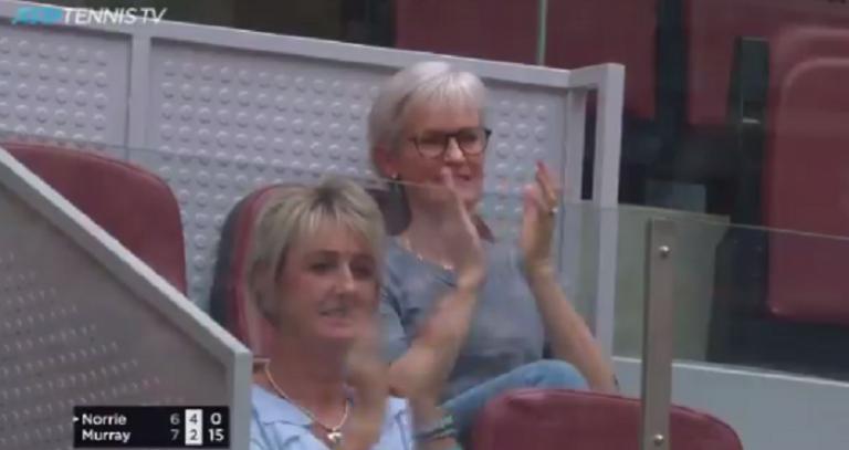 [VÍDEO] Andy Murray deixou a mãe orgulhosa com este ponto de 37 pancadas