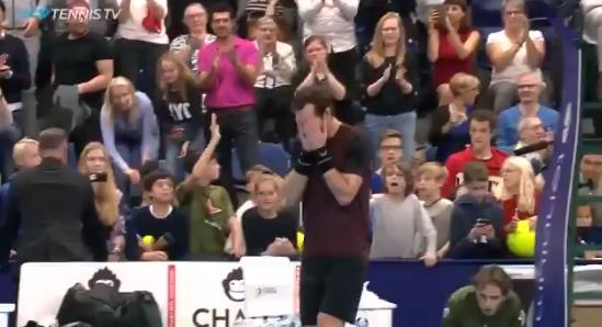 [VÍDEO] O momento em que Murray conquista o tão desejado título e se emociona na hora dos festejos