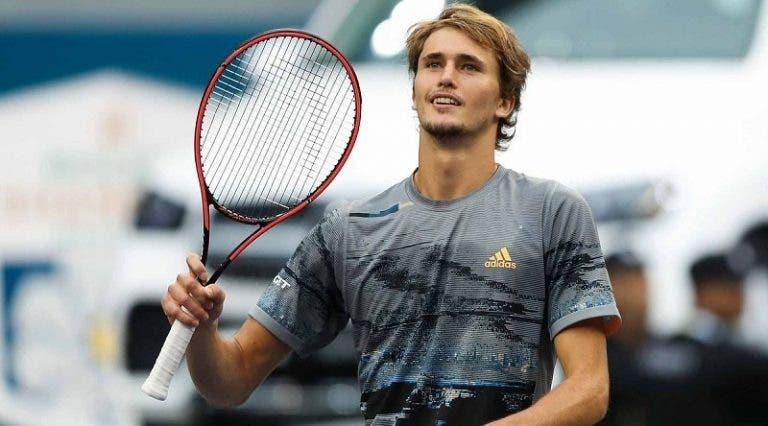 Zverev vence Federer em jogo de loucos e garante presença nas meias-finais em Xangai