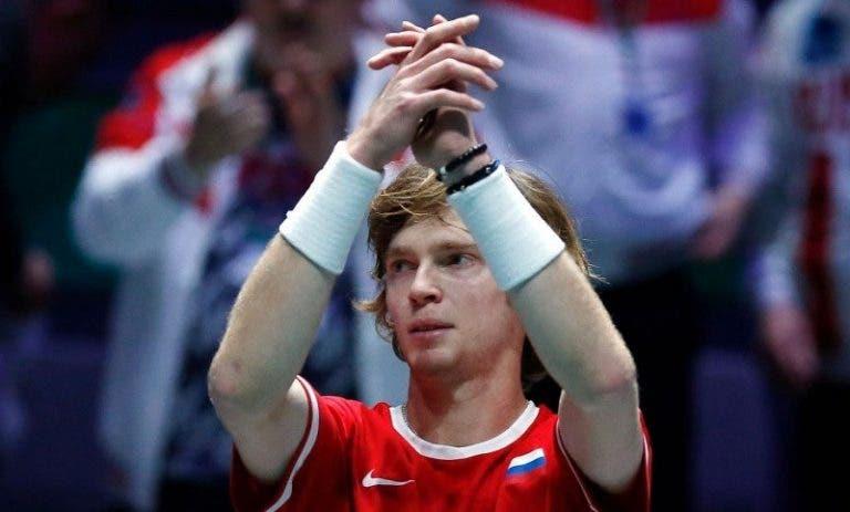 Jogaço! No melhor encontro da semana, Rublev derruba Bautista Agut e dá vantagem à Rússia