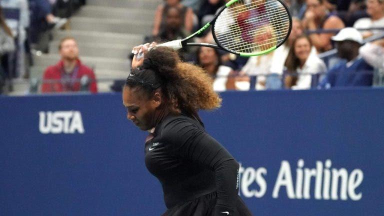 Apanha-bolas que ficou com a raqueta de Serena, cometeu um erro que lhe custou 50 mil dólares