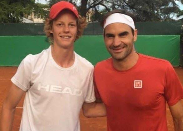 Sinner: «Estou feliz por ter vencido no mesmo lugar que Federer» - Bola Amarela Brasil