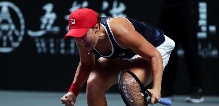 [VÍDEO] Foi assim que Barty fechou a conquista das WTA Finals