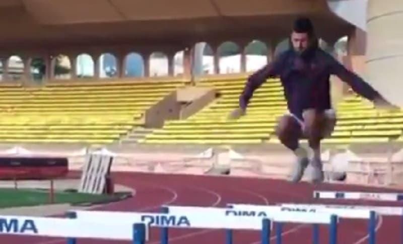 [VÍDEO] Novak Djokovic faz o difícil parece fácil