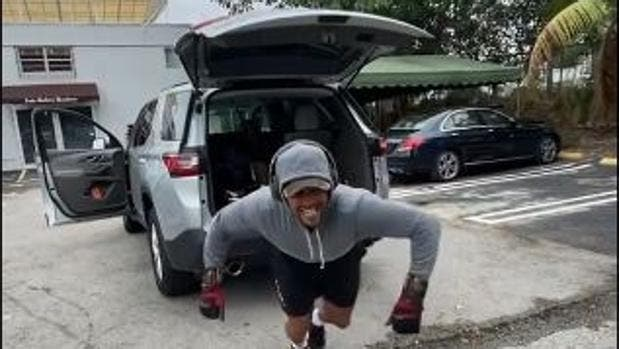 [VÍDEO] Impressionante! Verdasco puxa um carro de duas toneladas… só com um braço