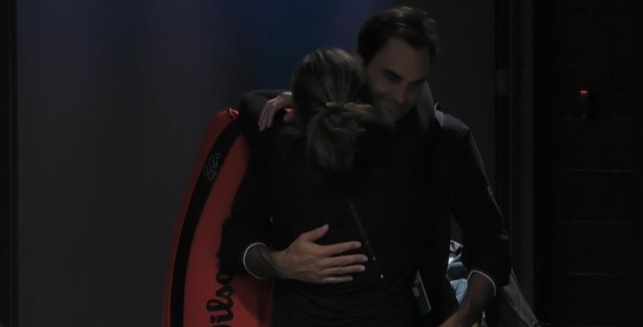 [VÍDEO] O reencontro de Federer e Mirka após muito sofrimento