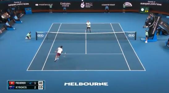 [VÍDEO] Federer e Kyrgios dão espetáculo em encontro de beneficência