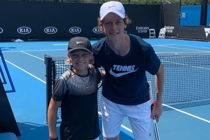 [VÍDEO] Brutal: com apenas 11 anos, filho de Hewitt treina… com um dos maiores talentos da NextGen