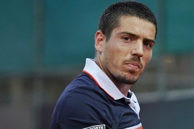 João Domingues perde com ex top 35 ATP na 1.ª ronda de qualificação em Roland Garros