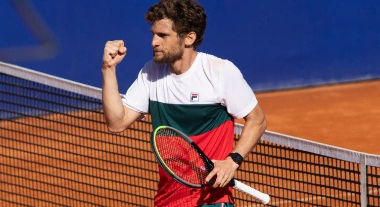 Pedro Sousa elimina estrela local rumo à final do Challenger de Split