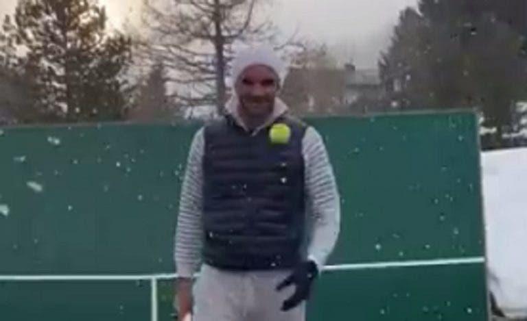 [VÍDEO] Federer reaparece em público com exibição de 'trick shots'