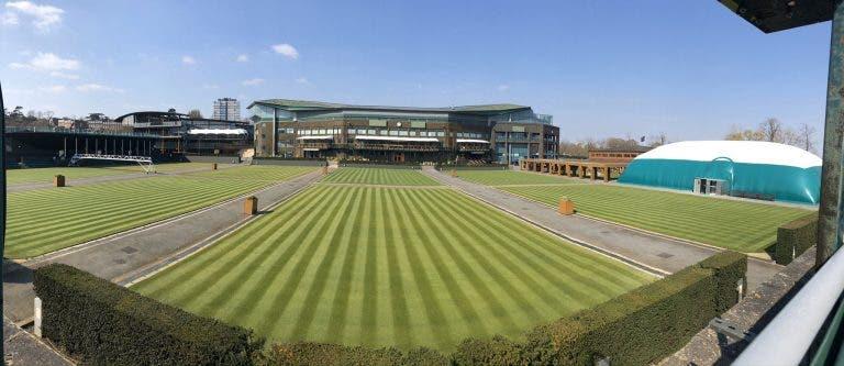 Chefe dos courts de Wimbledon explica por que razão era impossível adiar para setembro