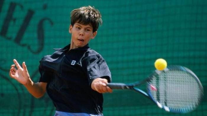 Nadal rejeitou wild card para Roland Garros em 2002 para não faltar aos exames de 9.º ano