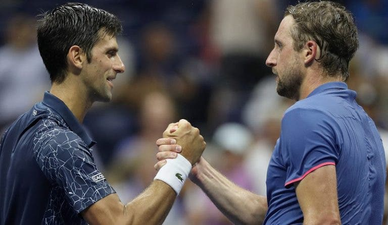 Sandgren polémico: «Se Djokovic não apanhar covid-19, vou começar a abençoar a minha água»
