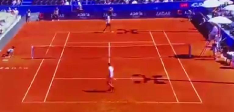 [VÍDEO] Zverev faz duas das piores duplas faltas de sempre no mesmo encontro