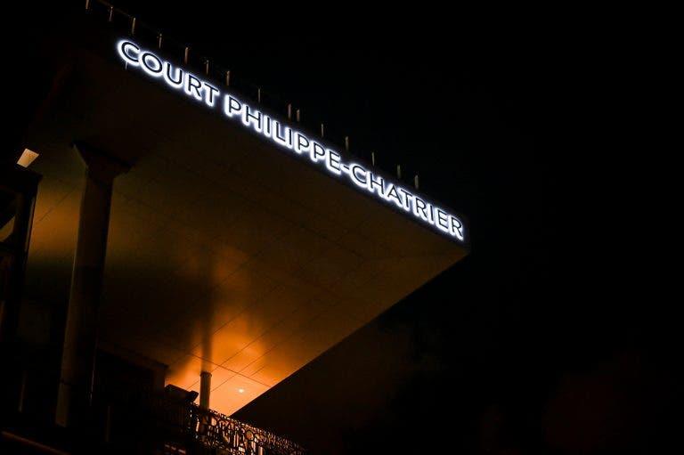 Conheça o incrível ambiente de Roland Garros na sessão noturna