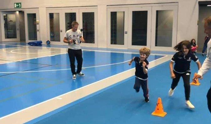 [FOTOS] Filhos de Federer divertem-se em acampamento de ténis