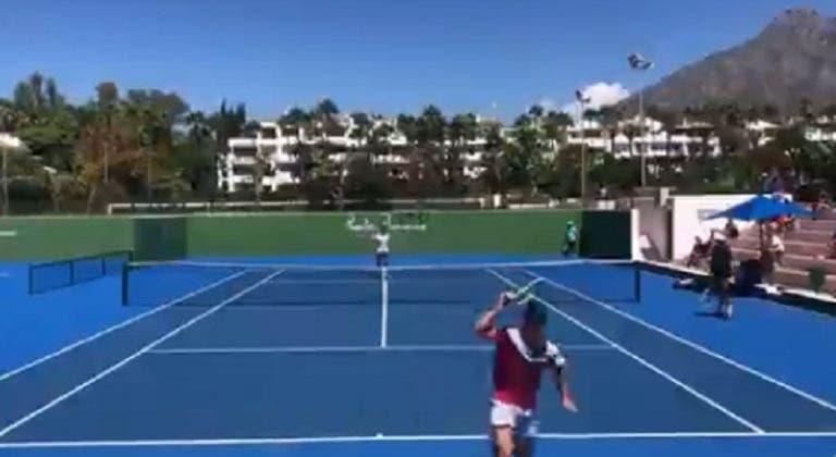 [VÍDEO] Djokovic fez lob a Davidovich no treino e ficou louco com a resposta do espanhol