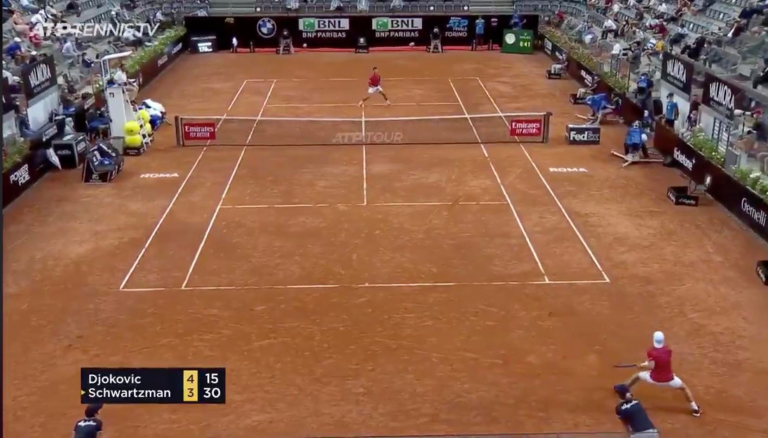 [VÍDEO] O enorme passing shot de Schwartzman que valeu a aprovação de Djokovic