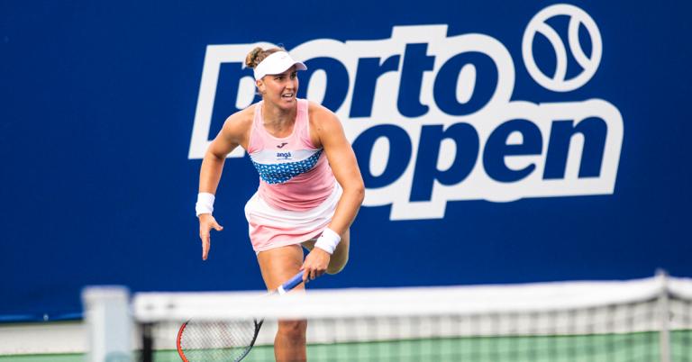 Bia Maia volta a vencer, elimina 1.ª cabeça-de-série e está nas 'meias' do Porto Open