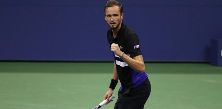 Medvedev atropela Tiafoe e regressa aos quartos-de-final do US Open