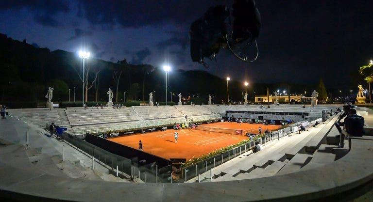 Ministro do desporto italiano garante: 'meias' e final de Roma vão ter público