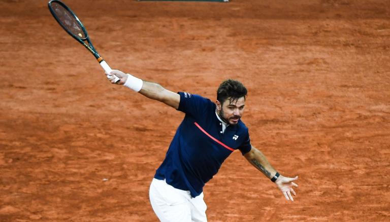 Wawrinka arrasa Murray rumo à segunda ronda em Roland Garros