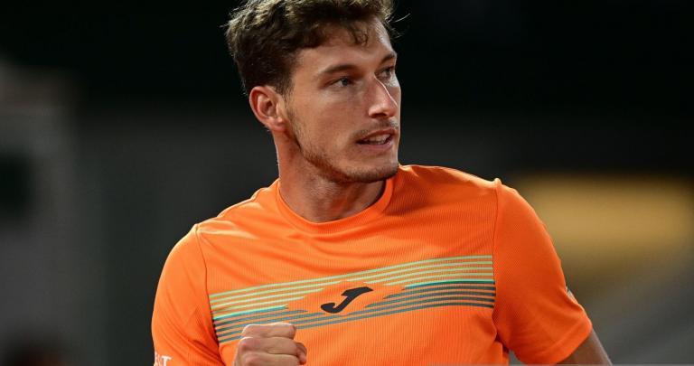 Carreño Busta regressa aos 'quartos' em Paris e reencontra Djokovic